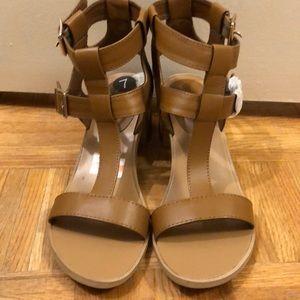 🤎 LE CHATEAU Sandals